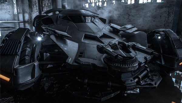 Batman V Superman: Zack Snyder gives us another look at his new Batmobile.