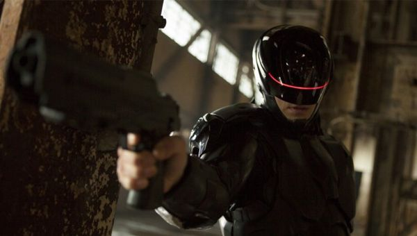 Joel Kinnaman as Alex Murphy in Robocop (2014)