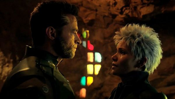 Wolverine and Storm get close in X-Men: Days of Future Past
