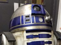Star Wars VII's R2-D2 Shows Wear And Tear